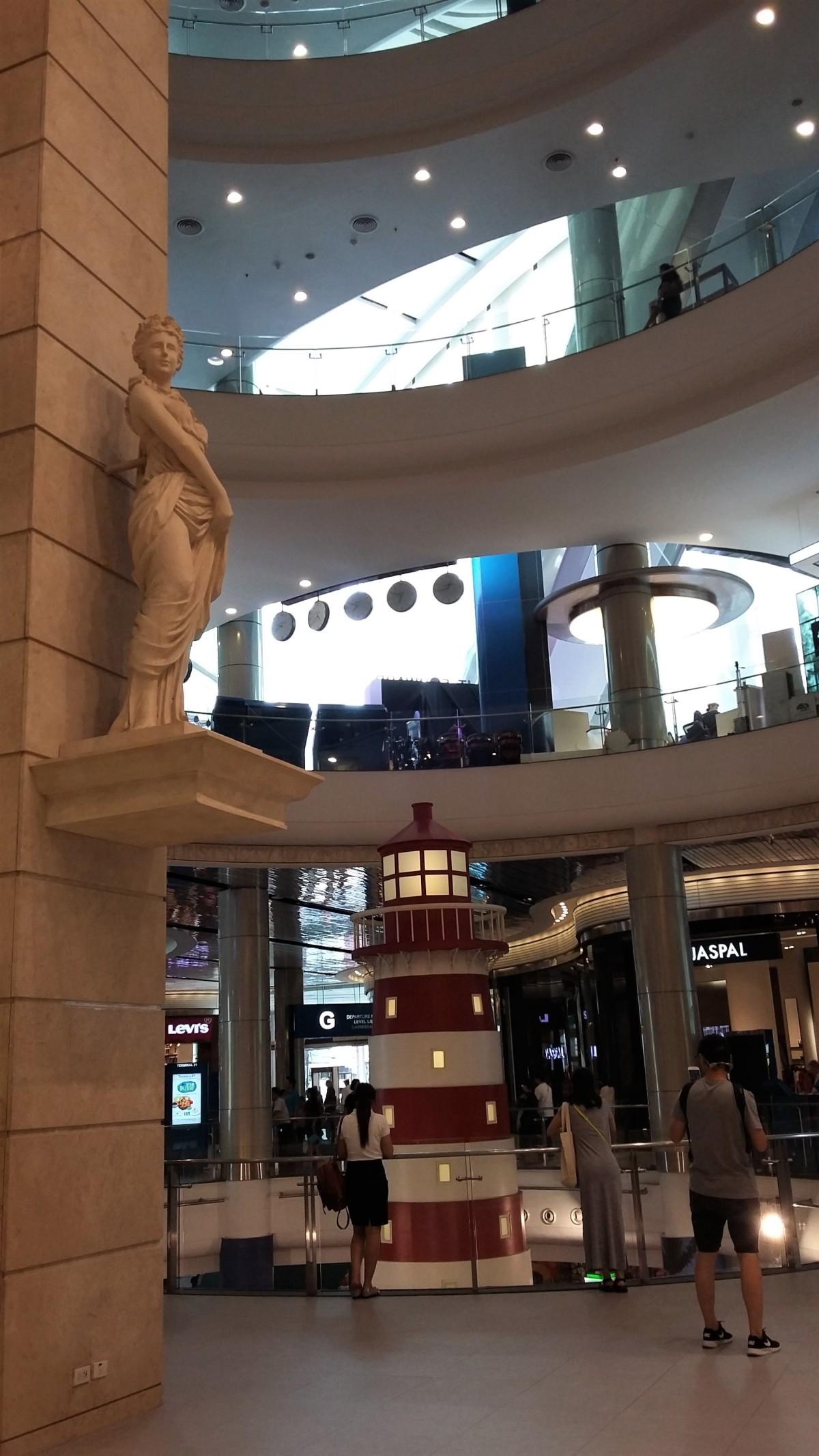 Statue in Terminal 21